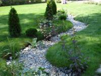 Сухой ручей — фото лучших идей оформления на дачном или садовом участке