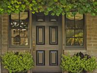Входная дверь в частный дом — инструкция как не ошибиться с выбором