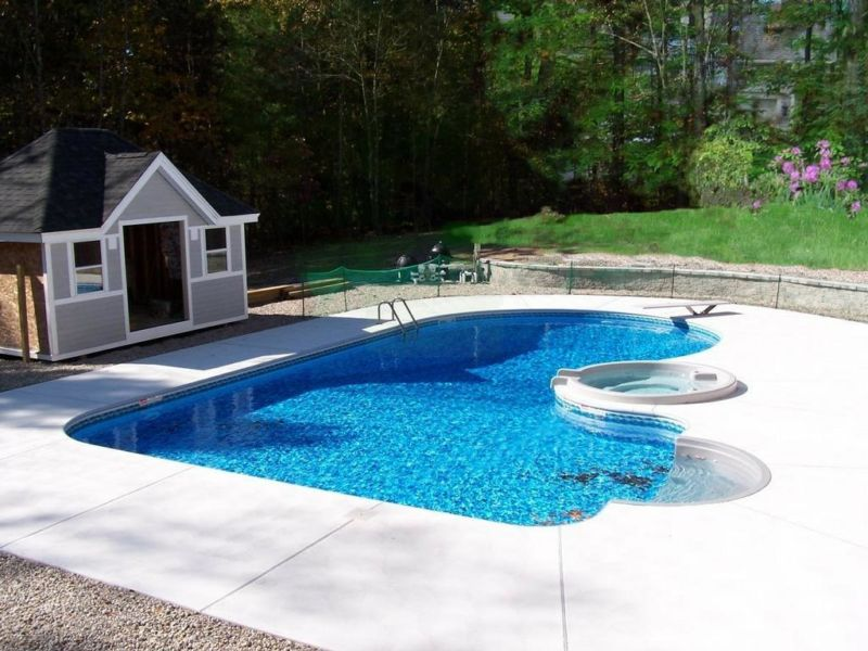 backyard-landscaping-ideas-swimming-pool-design-homesthetics-1