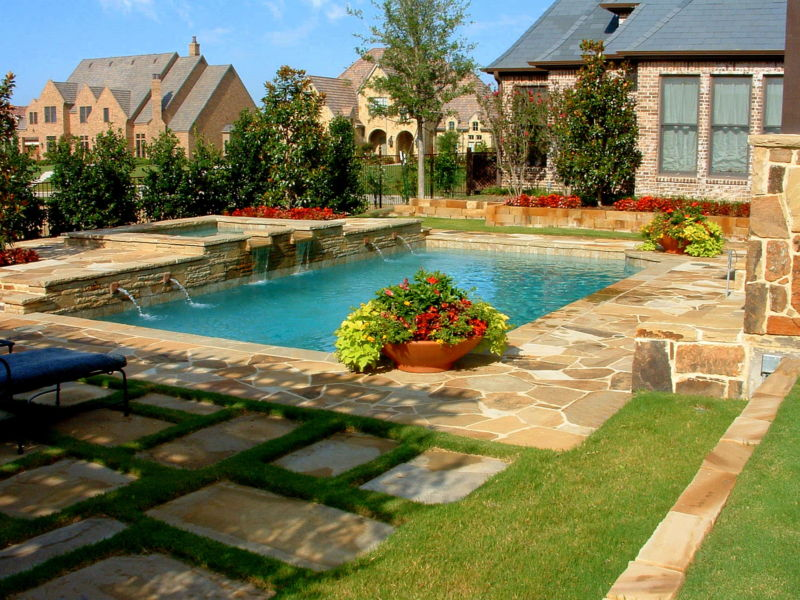 backyard-landscaping-ideas-swimming-pool-design-homesthetics-25