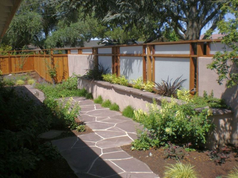 japanese-garden-backyard-design-for-long-small-backyard