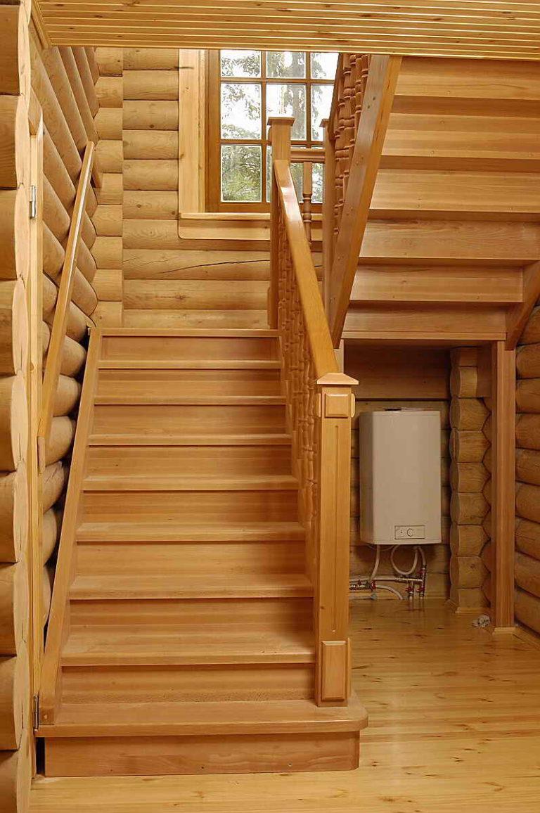 Как сделать доме деревянную лестницу