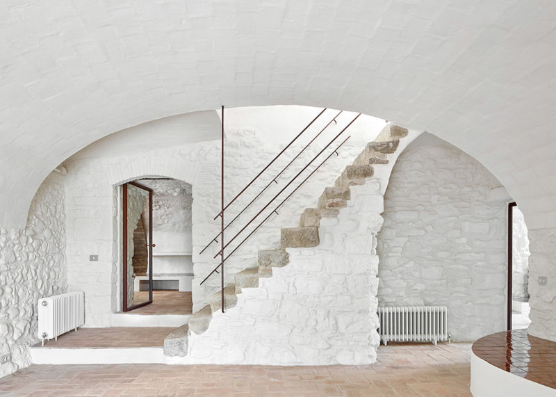 house-renovation-emporda-girona-architectura-g_dezeen_1568_10