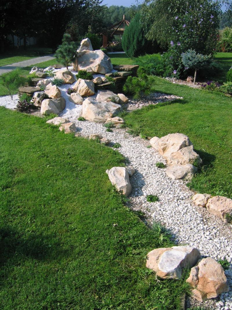 Ручей в саду своими руками фото 107