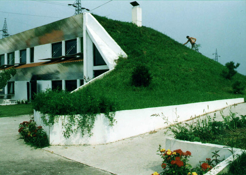 1280px-veljko_milkovic_eco-house