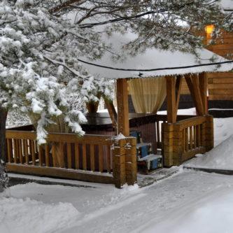 Зимняя беседка — фото какой она должна быть