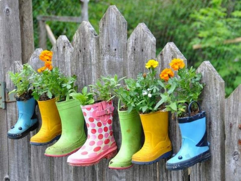 boots-on-fence-1024x768