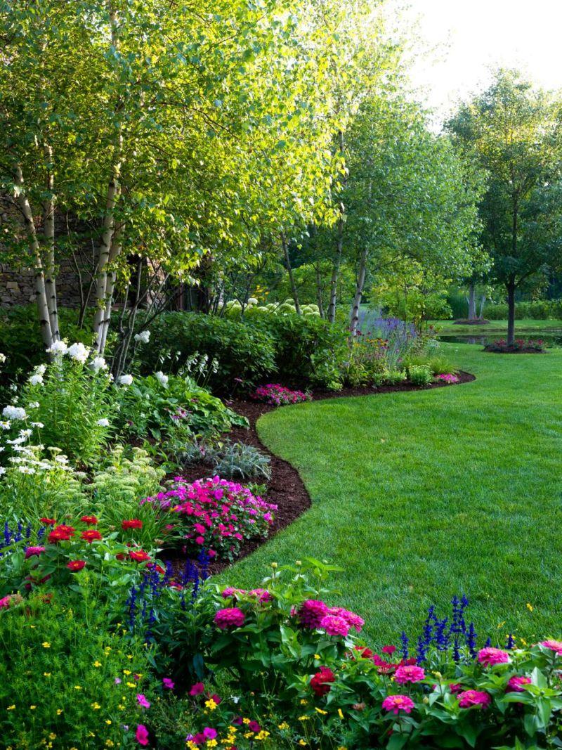 ci-preen_lawn-planting-bed_v-jpg-rend-hgtvcom-966-1288