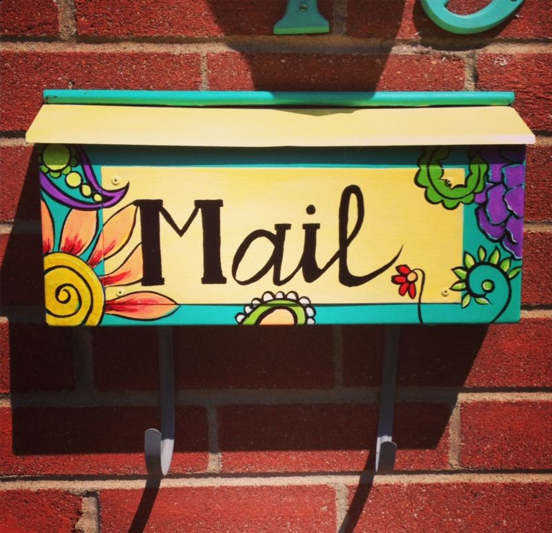mailbox-with-their-hands