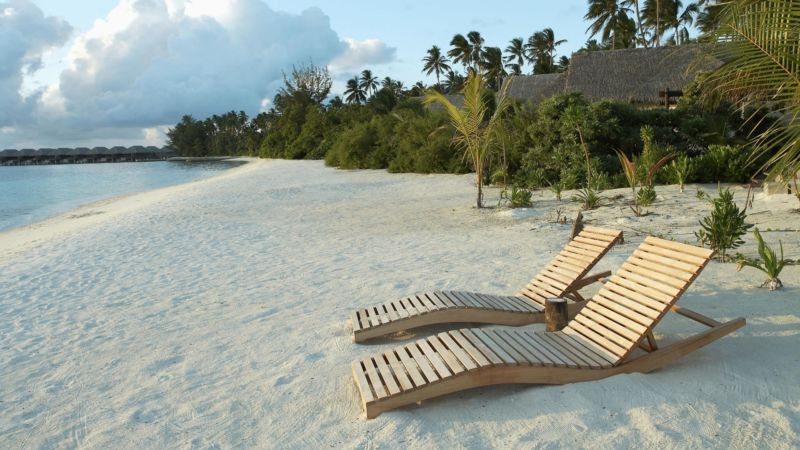 nature___beach_wooden_deck_chairs_on_white_sand_beach_098936_