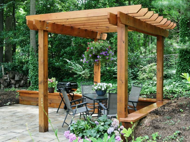 ultimate-how-to_pergola-after-built_s4x3-jpg-rend-hgtvcom-1280-960