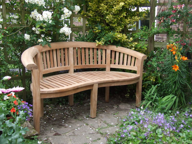 curved-garden-benches-3qvbl6mpoiiugusq