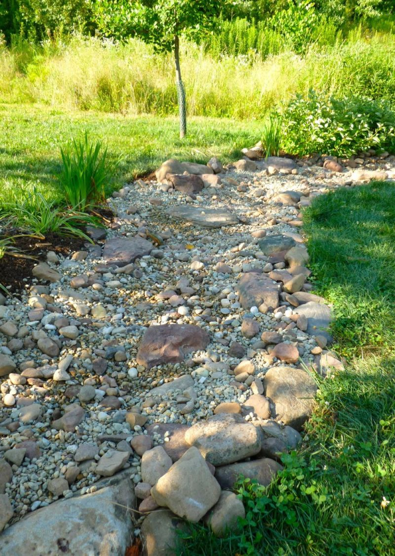 garden-dry-creek-bed-20