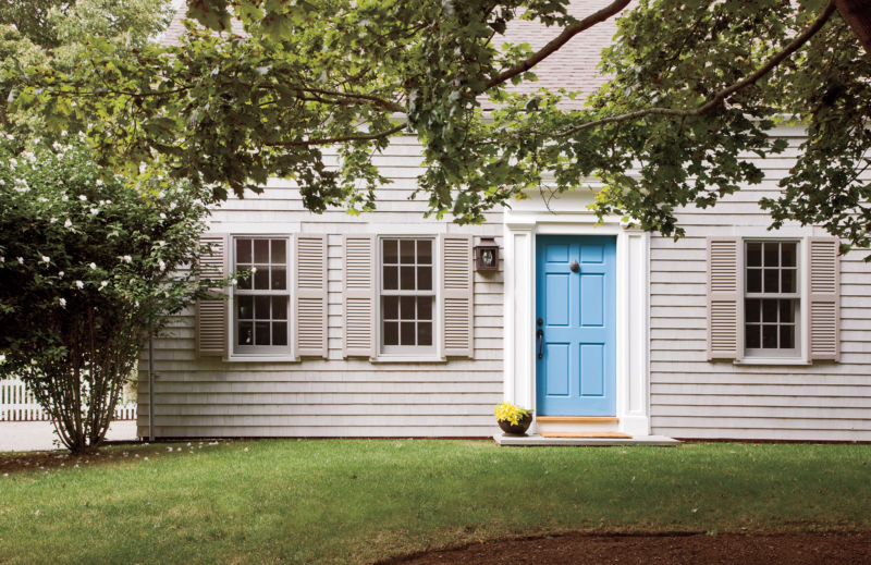 img-main-house-blue-door