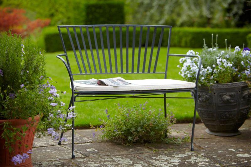 metal-garden-benches-1