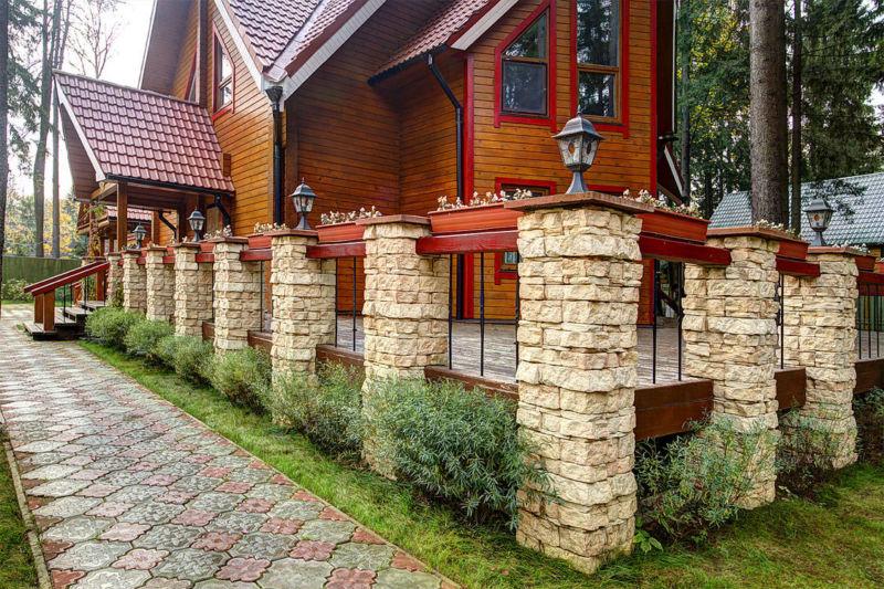 naruzhnaya-oblitsovka-derevyannyh-sten-doma