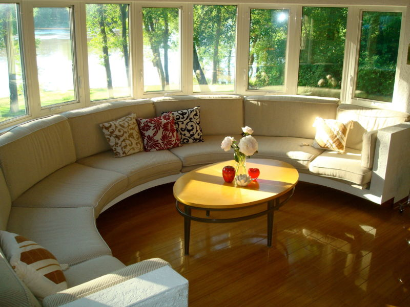 www-getbg-net_interior_round_veranda_with_sofa_087086_