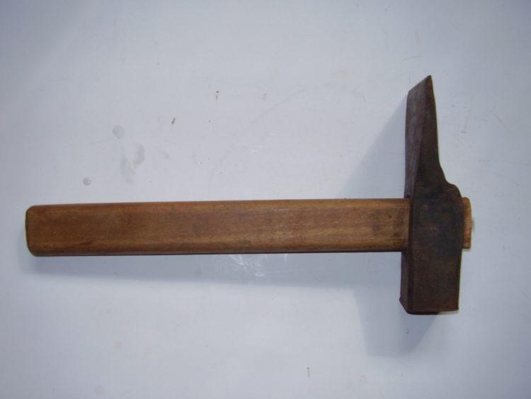 Молоток каменщика (4)