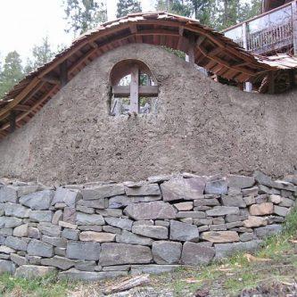Каменный фундамент - стоит ли закладывать и как его построить правильно? 85 фото-идей от мастеров