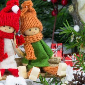Новогодние украшения: современные сверкающие игрушки и стильные поделки своими руками (86 фото)