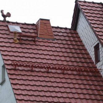 Снегозадержатели на крышу - 87 фото установки и проектирования разных конструкций