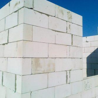 Стены из газобетона: особенности постройки домов и их изоляции (72 фото + видео)