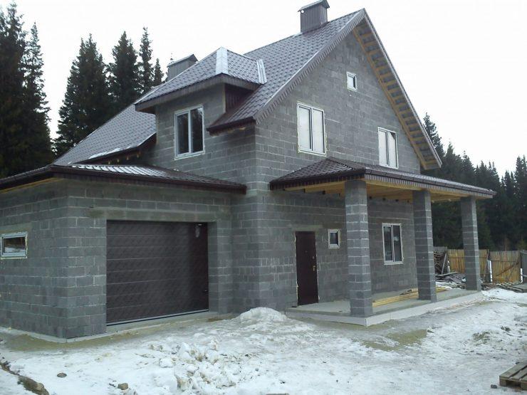 Проекты домов из шлакоблоков с мансардой фото