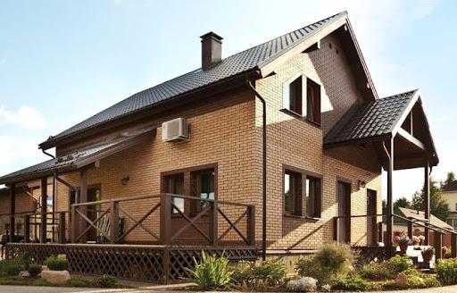 Красивые двухэтажные дома из разного кирпича (100 фото)